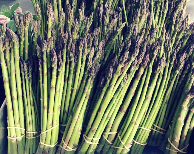 farmers-market-finds-042015-3_asparagus